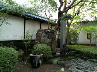 光源社の中庭